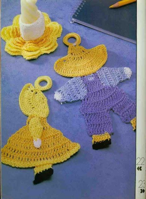 Maniques personnages au crochet