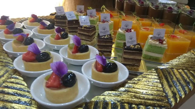 Kue-kue mini yang cantik (dok.www.rindhuhati.com)