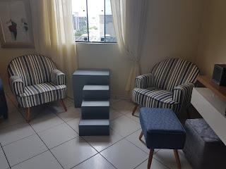 escadas panorâmicas e janelas