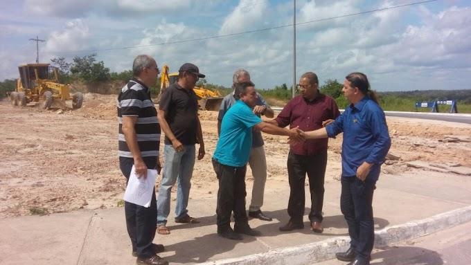 Prefeitura de Caxias-MA retira rotatória marcada por acidentes e uma morte na Vila Paraíso