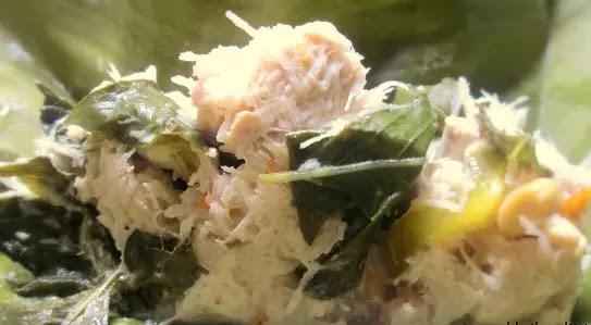 Botok tahu tempe biasanya dibuat dengan menggunakan tahu dan tempe yang dihaluskan dan cara memasaknya dengan dikukus.