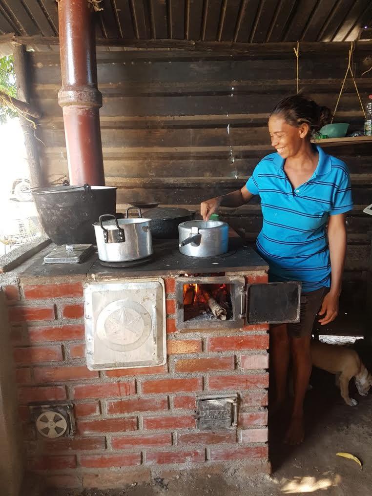 Gente cultura y pueblo del fog n tradicional a estufas for Cocinar para 9 personas