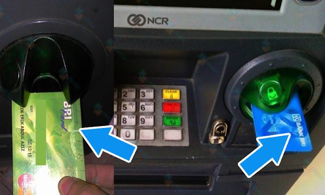 Cara Memasukan Kartu ATM