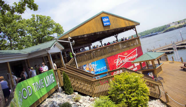Dog Days Bar & Grill, Lake of the Ozarks,