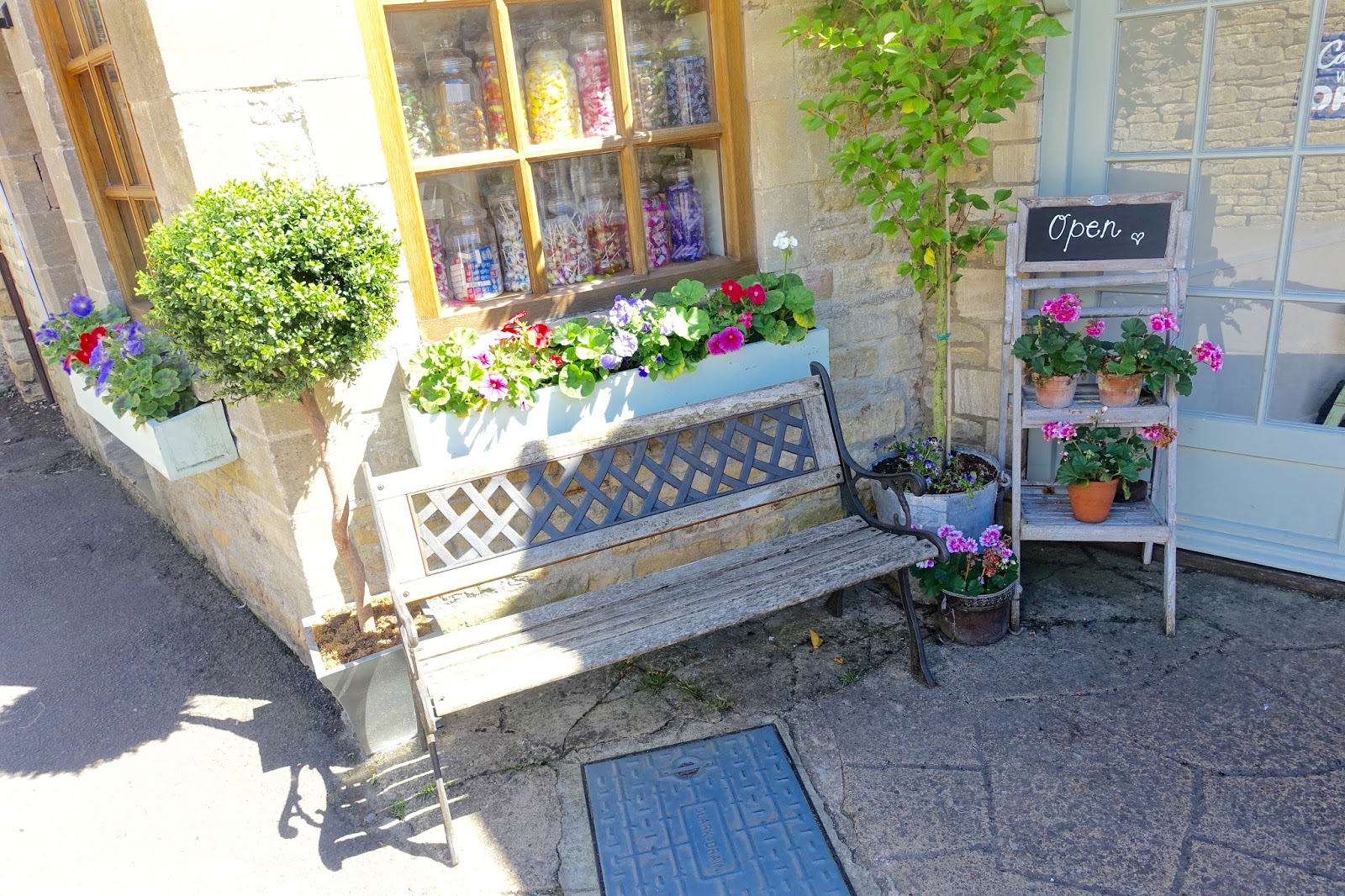 Smiths of bourton tea room cotswolds