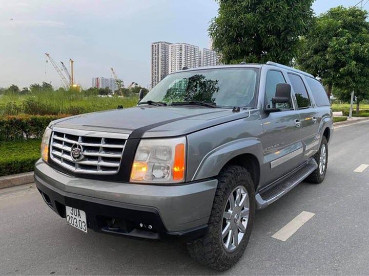 Xe hiếm Cadillac Escalade ESV đời 2004 tại Việt Nam