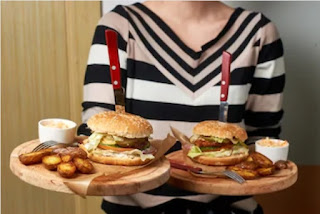 Suka Makanan Junkfood  dan Instan Bisa Menyebabkan Perut Buncit