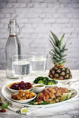 Piletina sa ananasom, brokolijem i pasuljem