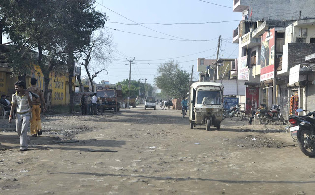 Adarsh village will soon change the conditions of Tilpat, roads, sewer, cleanliness will be done.
