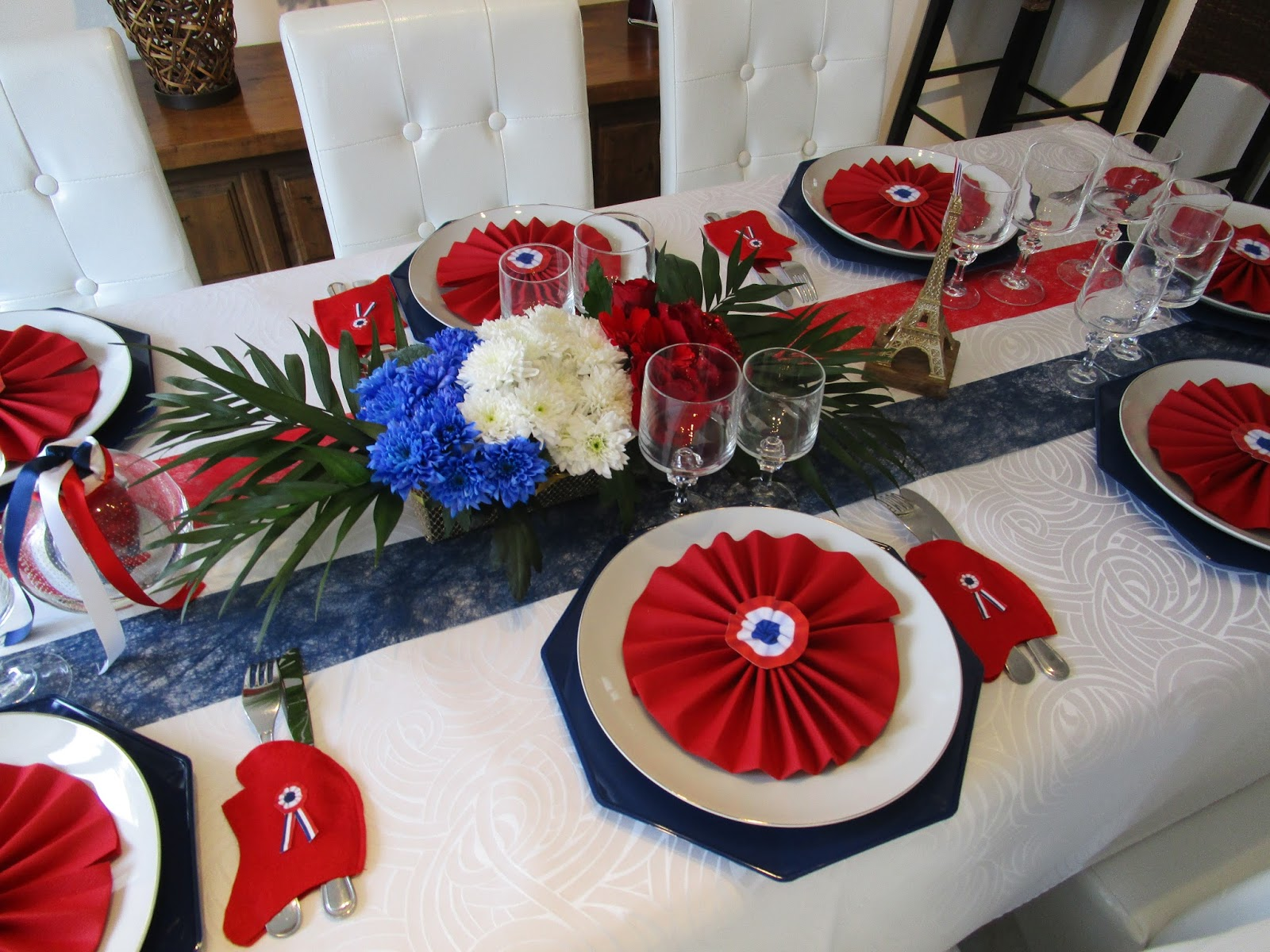 d co de table f te nationale du 14 juillet d co de. Black Bedroom Furniture Sets. Home Design Ideas