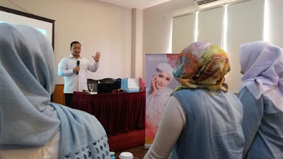 Public Speaking for Beauty Advisor of Wardah Cosmetic Indonesia - PUBLIC SPEAKING INSTITUTE