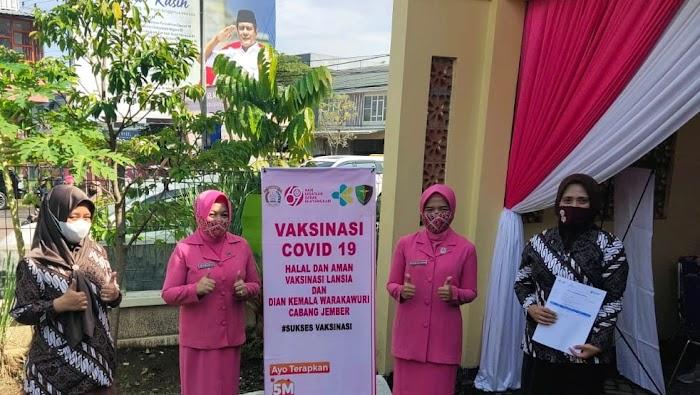 Polres Jember Gelar Vaksinasi Buat Lansia Dan Warakawuri