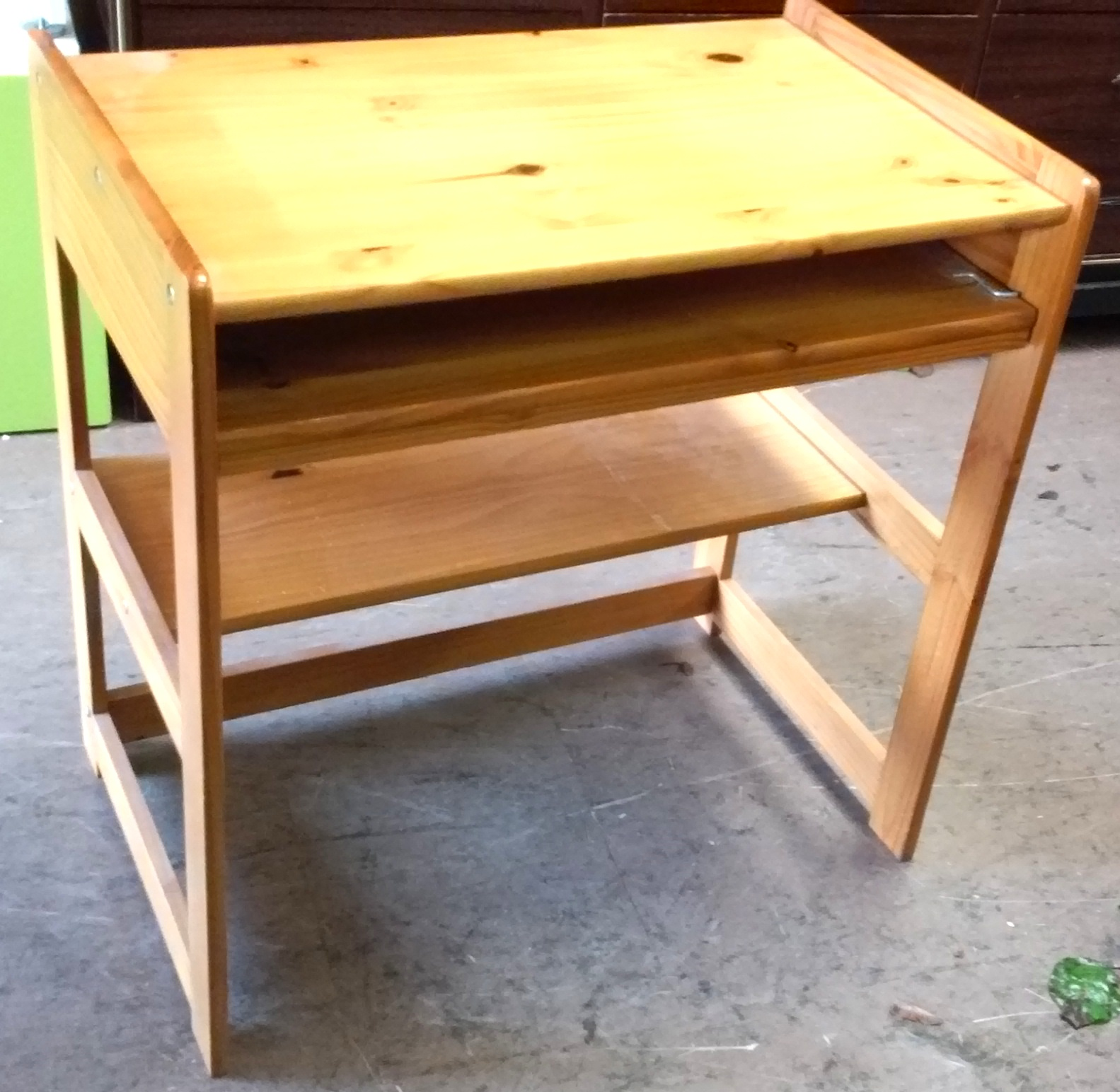 Uhuru Furniture Amp Collectibles Sold Reduced 30 Quot Wide