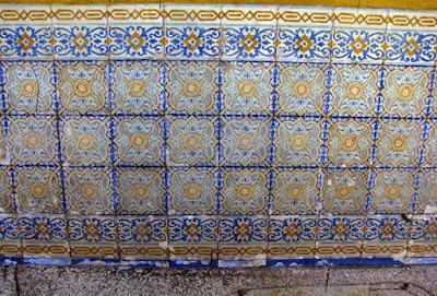 parede com azulejos
