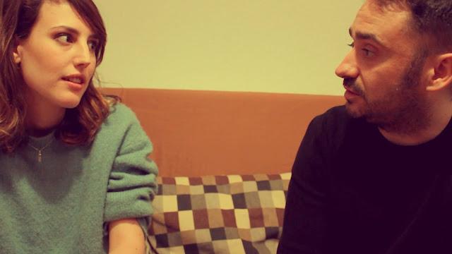 Natalia de Molina y Juan Antonio Bayona en la webserie 'El Antivlog'