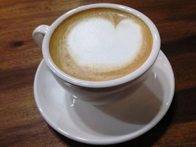 bolehkah-ibu-hamil-minum-kopi-good-day