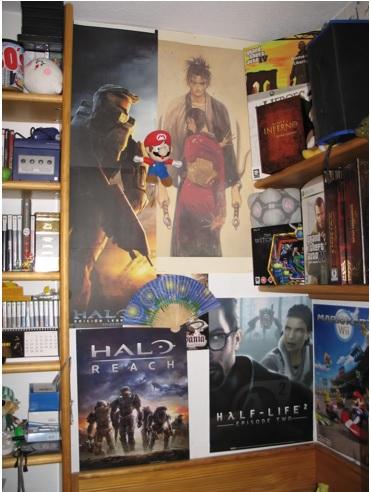 decorar la habitación con posters, posters pegados en las paredes, como poner posters en las paredes de la habitación