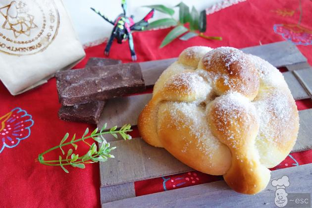 Cómo hacer pan de muerto con amasado fácil. Receta mexicana
