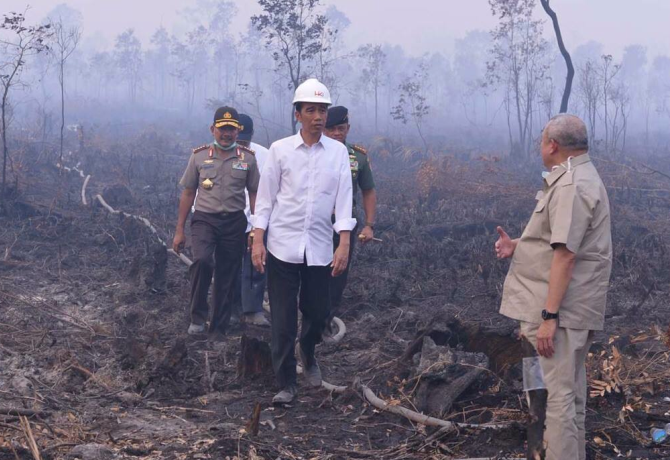 Geger Video Jokowi Ditinggal Pasukan