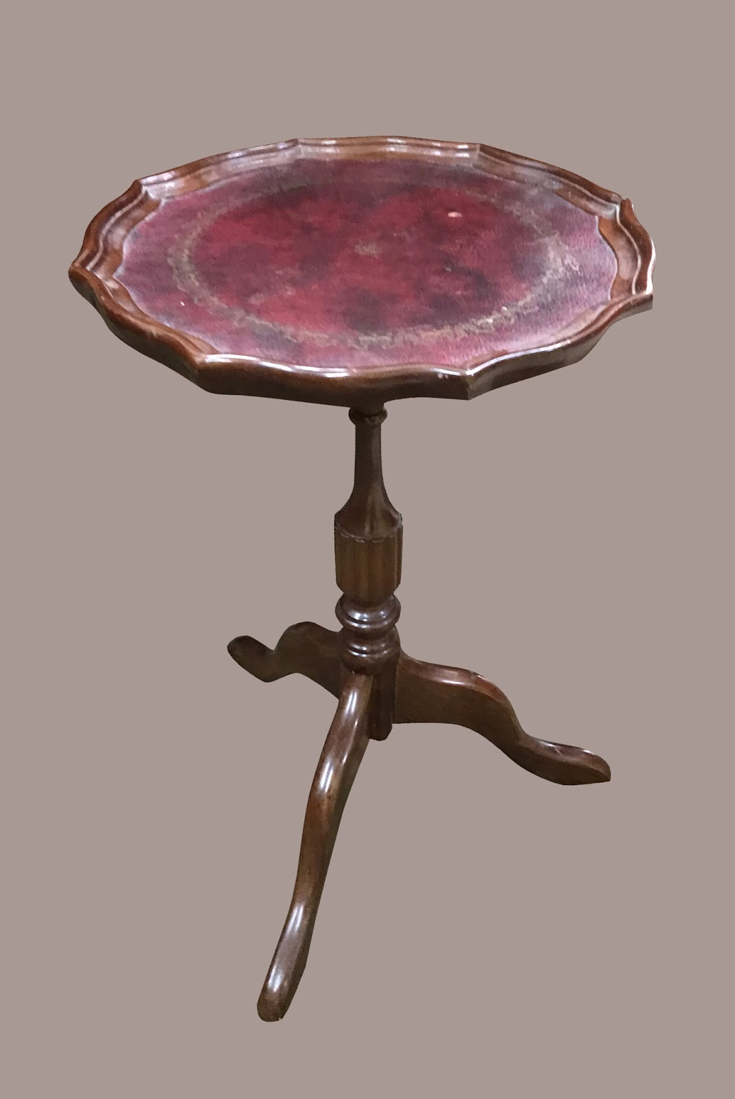 Uhuru Furniture & Collectibles: Very Small Accent Table