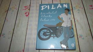 review Dilan, dia adalah Dilanku 1990
