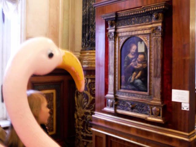 Travel mascot admires the work of Leonardo Da Vinci's at the Hermitage Museum