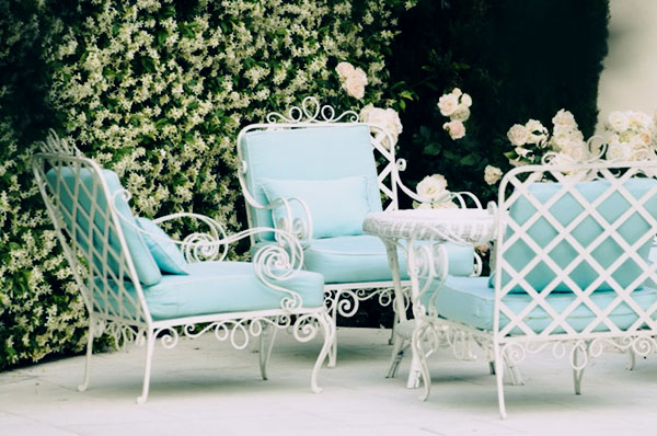 https://www.thisisglamorous.com/2013/07/decor-inspiration-endless-summer-piacevole-soggiorno-alfresco-italy.html/