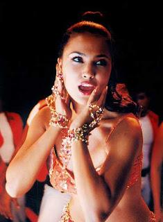 Lara Dutt Item Song: Aisa Jadoo Daala Re 2