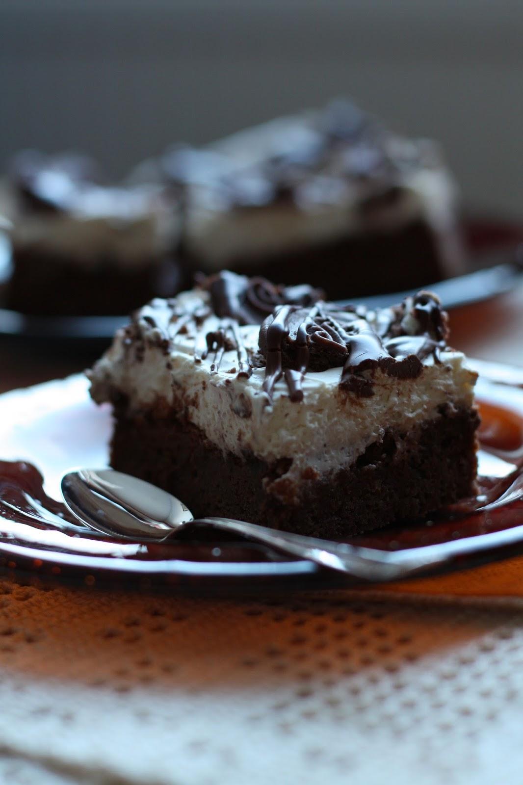 Cookies 'n' Cream Brownie leivonta keksi suklaa mallaspulla