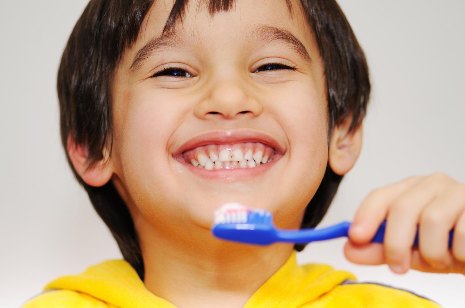 Kết quả hình ảnh cho bảo vệ và chăm sóc sức khỏe răng miệng