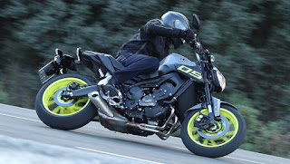 2016 Yamaha MT-09 Review, Smoother Operator !