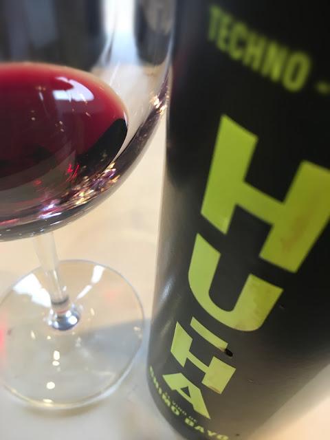Vista en la copa del vino Hu Ha.