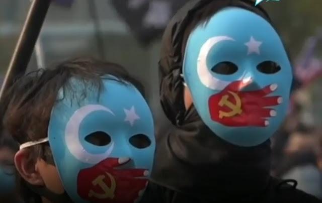 Kenakan Topeng Biru, Demonstran Hongkong Dukung Muslim Uighur