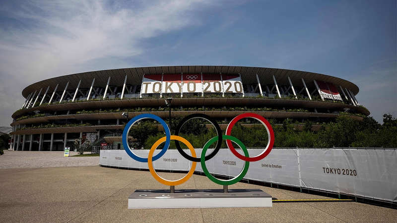 As Olimpíadas de Tóquio é considerada as olimpíadas mais caras em volume financeiro já investido por um país para sua preparação. No total, o Japão investiu mais de 28 bilhões de dólares, quase 30% a mais que a segunda olimpíadas mais cara já produzida (Rússia, em 2014), e mais que duas vezes a média gasta pelos outros países (12 bilhões de dólares).