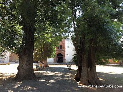 Atrio de los Olivos en Tzintzuntzan, Michoacán