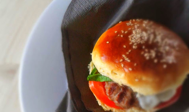Burger Buns ovvero panini per hamburger fatti in casa