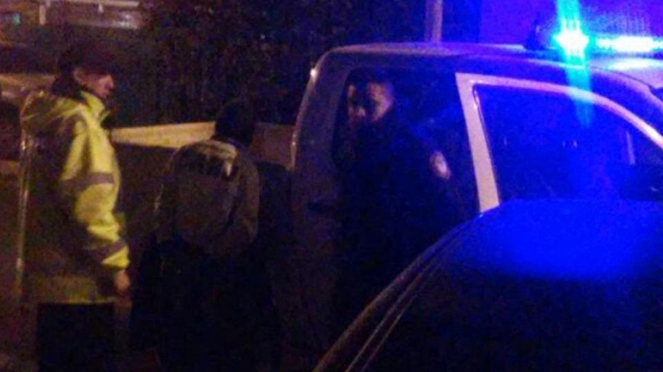 Chocaron patrullero y los detuvieron
