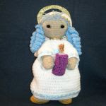 http://www.galamigurumis.com/angel-de-la-vela-patron-2/