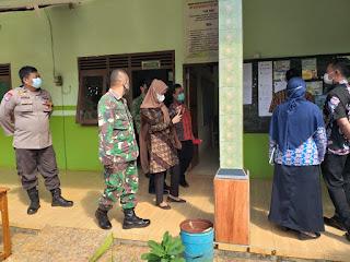 Pemantauan Prokes Terhadap Peserta Ujian Nasional Oleh Tim DKK Kabupaten Jepara