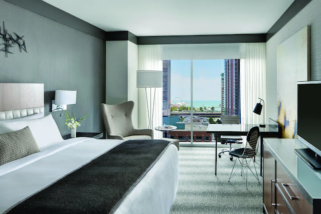 Stay close to the best of the Windy City from the luxury Loews Chicago Hotel in Downtown Chicago featuring iconic rooms and a rooftop lounge.