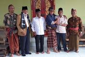 Usai Menyerahkan Berkas Pendaftaran di KPU, Rombongan SADAR Bertandang ke Kediaman Mamiq Ngoh.