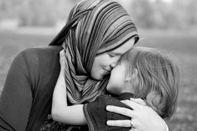 Allah Memberimu Tugas Layaknya Malaikat, Mengapa Engkau Mengeluh Wahai Wanita?