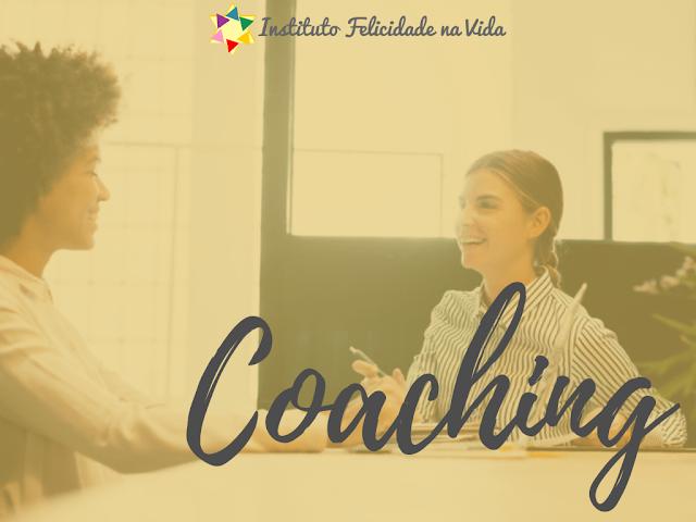 O coaching é um processo de desenvolvimento pessoal e profissional que envolve orientação e acompanhamento de pessoas ou grupos para facilitar a realização e alcance de sonhos e metas.