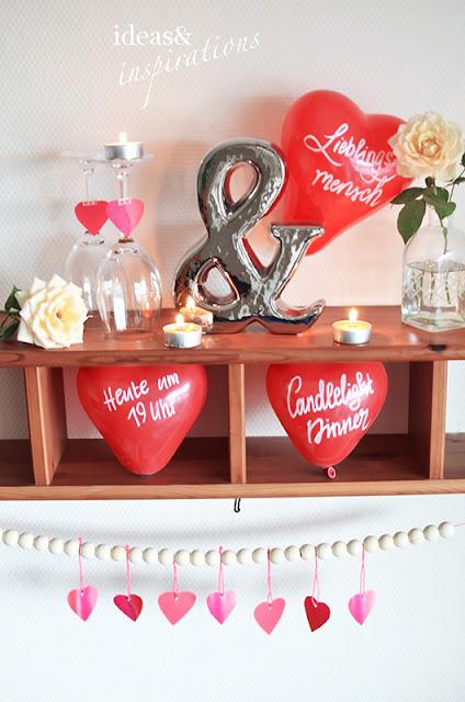 rote Herzen Girlande fürs candle light dinner am Valentinstag