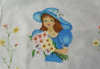 boneca pintada para saia de croche azul