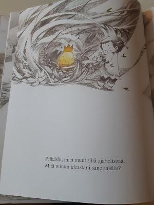 Yksi sivu kirjasta Olipa kerran idea, kuvassa idea on jonkilaisessa pensaikossa tai puun juuristossa