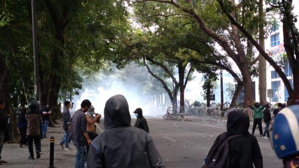 Demo Tolak Omnibus Law di Medan Ricuh, 40 Orang Diamankan