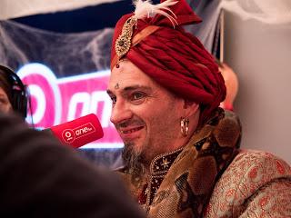 fakir, spectacle de fakir, fakir spectacle, charmeur de serpent