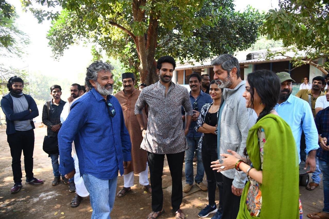 Rajamouli Visited Keerthy Suresh Good Luck Sakhi Shooting Sets