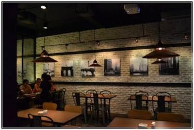 gambar model interior kafe klasik